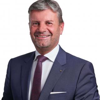 KR Mag. Dr.  Gerald Hubner MRICS REV