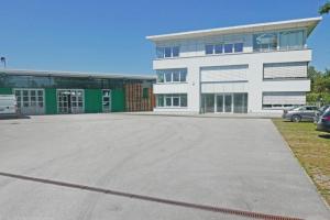 Sehr gepflegte Betriebsliegenschaft in Bergheim