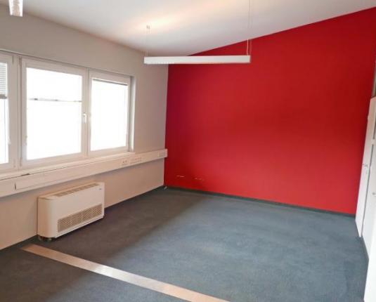 Büroraum mit Dachschräge