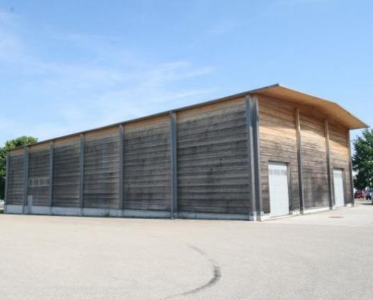Vielseitige Hallenfläche in verkehrsgünstig gelegenem Betriebsobjekt