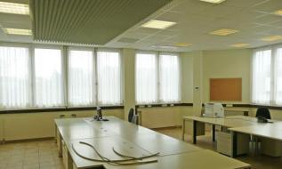 Büroraum mit Einrichtung