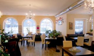 Schöner als Café eingerichteter Raum