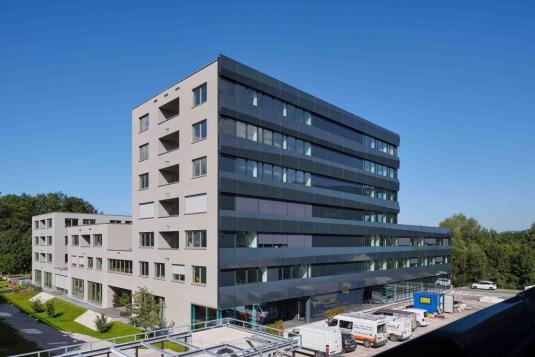 Außenansicht Gebäudekomplex Wissenspark Salzburg Urstein