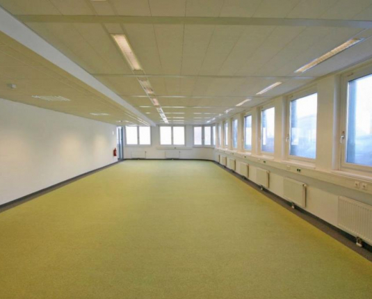 Schöne Büroflächen in auffälligem Gebäude