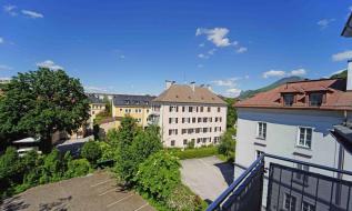 Luxuriöse Dachgeschosswohnung im Andräviertel