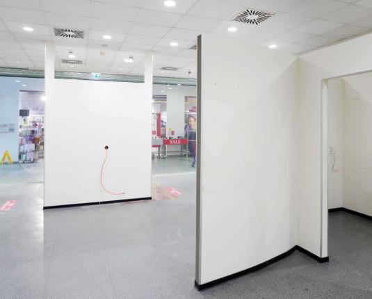 Kompakt in kleiner Mall