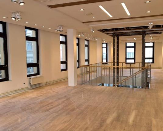 Moderne und sanierte Geschäftsfläche zu vermieten
